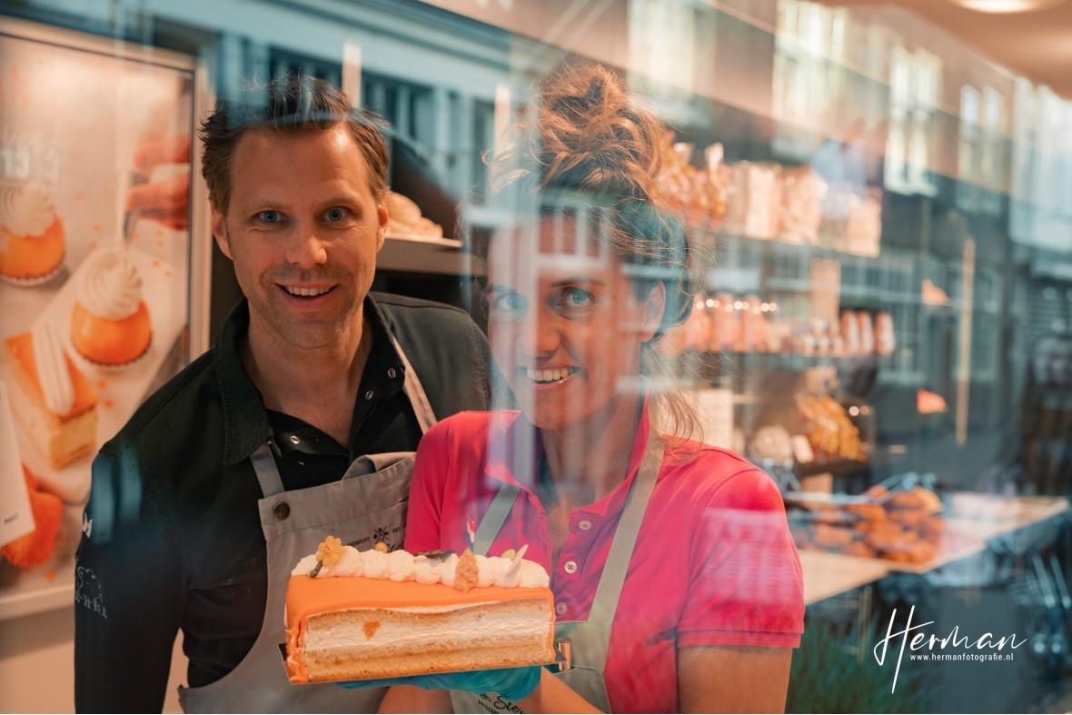 In Dordrecht gratis op de foto - 5 May - Glashelder Herman - 1