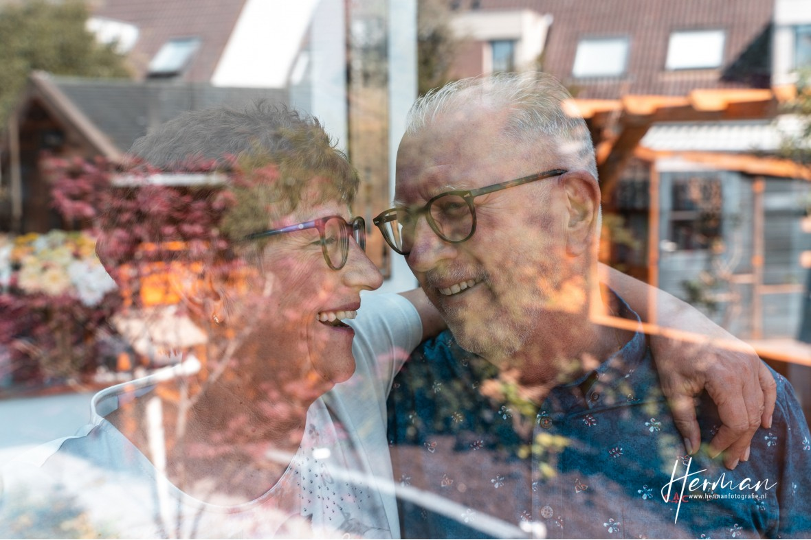 In Dordrecht gratis op de foto - 20 Apr - Glashelder Herman 01