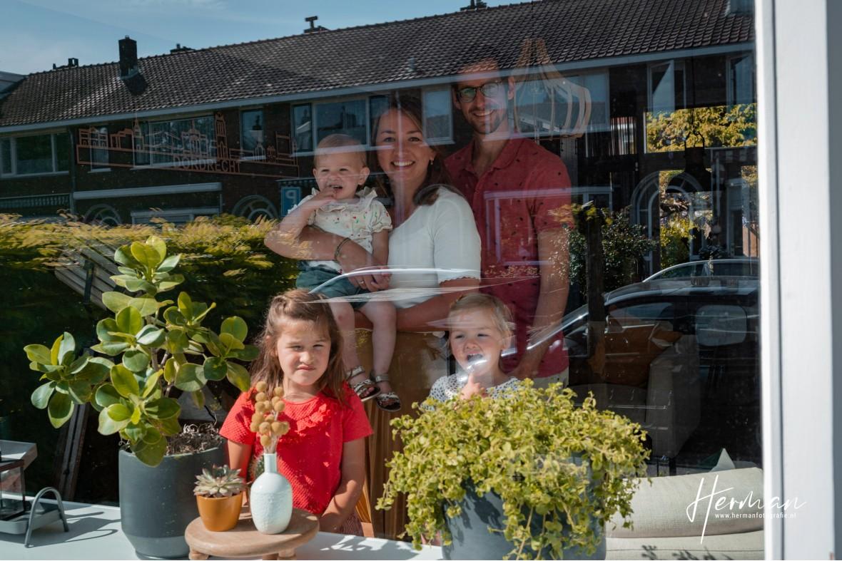 In Dordrecht gratis op de foto - 9 May - Glashelder Herman - 1