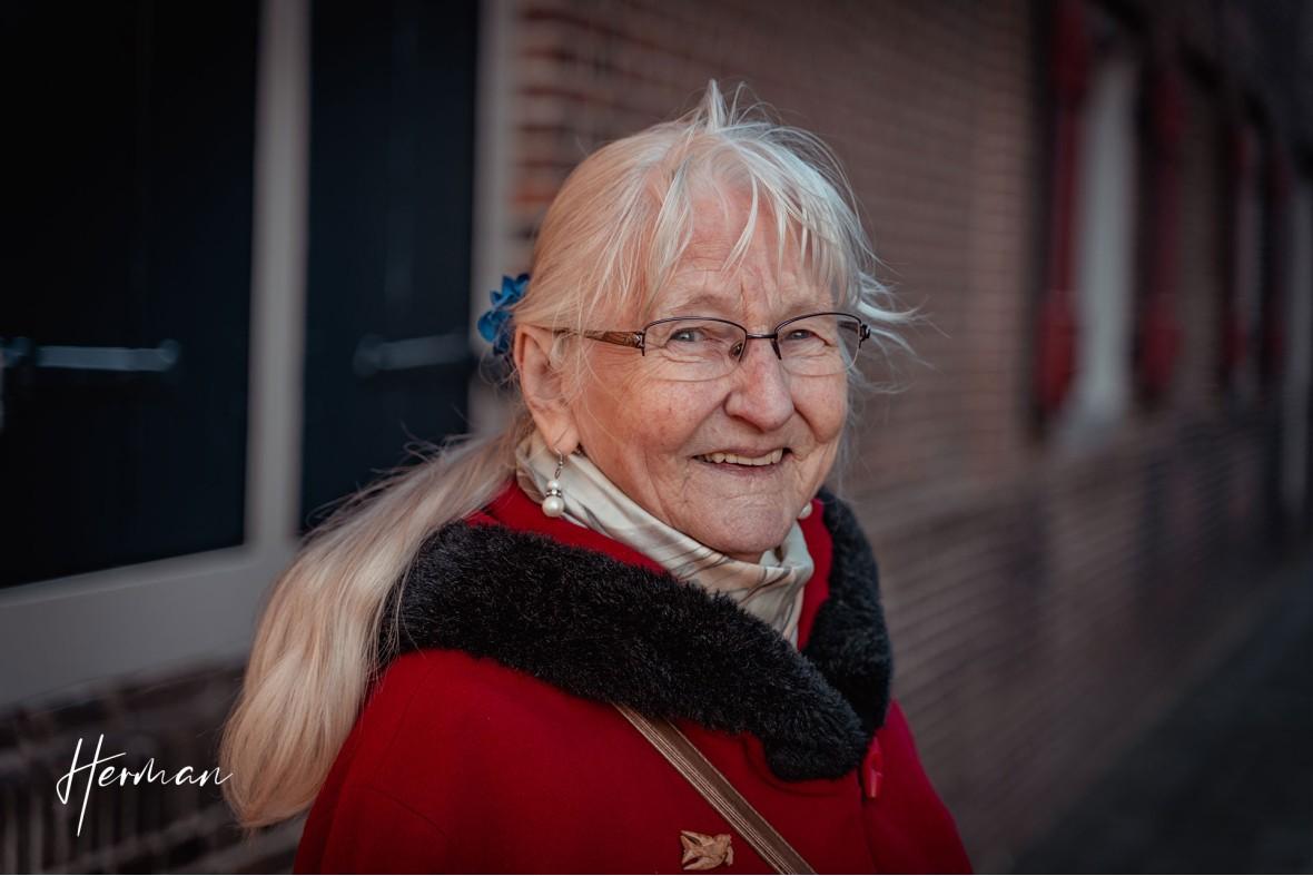 Maria heeft pretoogjes in Dordrecht - Portret fotoshoot Dordrecht met fotograaf Dordrecht