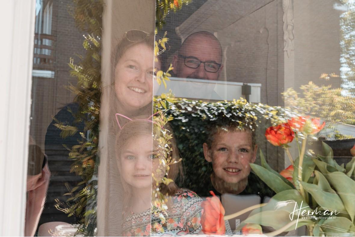 In Dordrecht gratis op de foto - 20 Apr - Glashelder Herman 02
